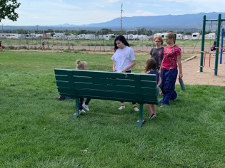 How to use the Buddy Bench